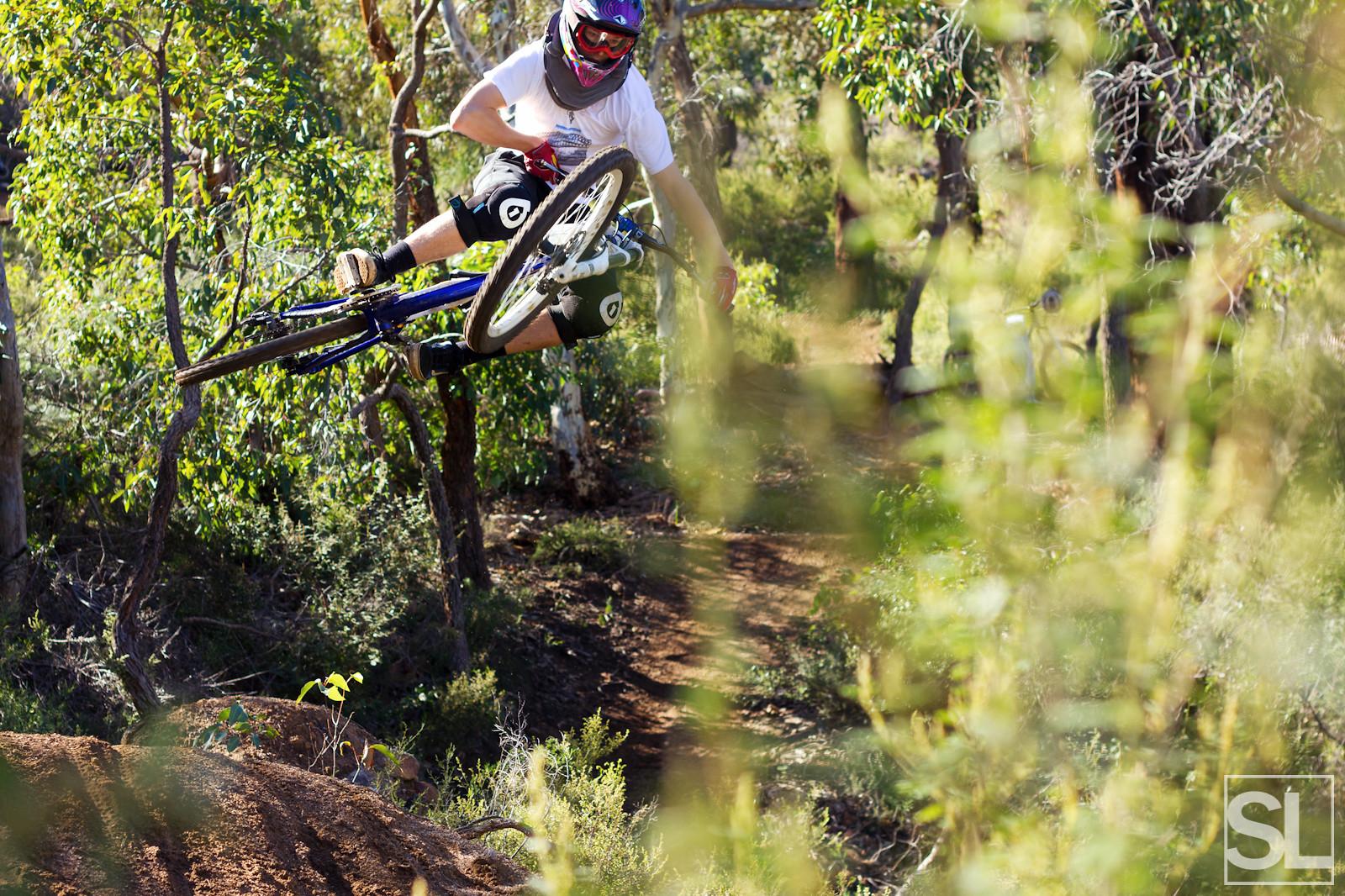 Tabling - Chamakazi - Mountain Biking Pictures - Vital MTB