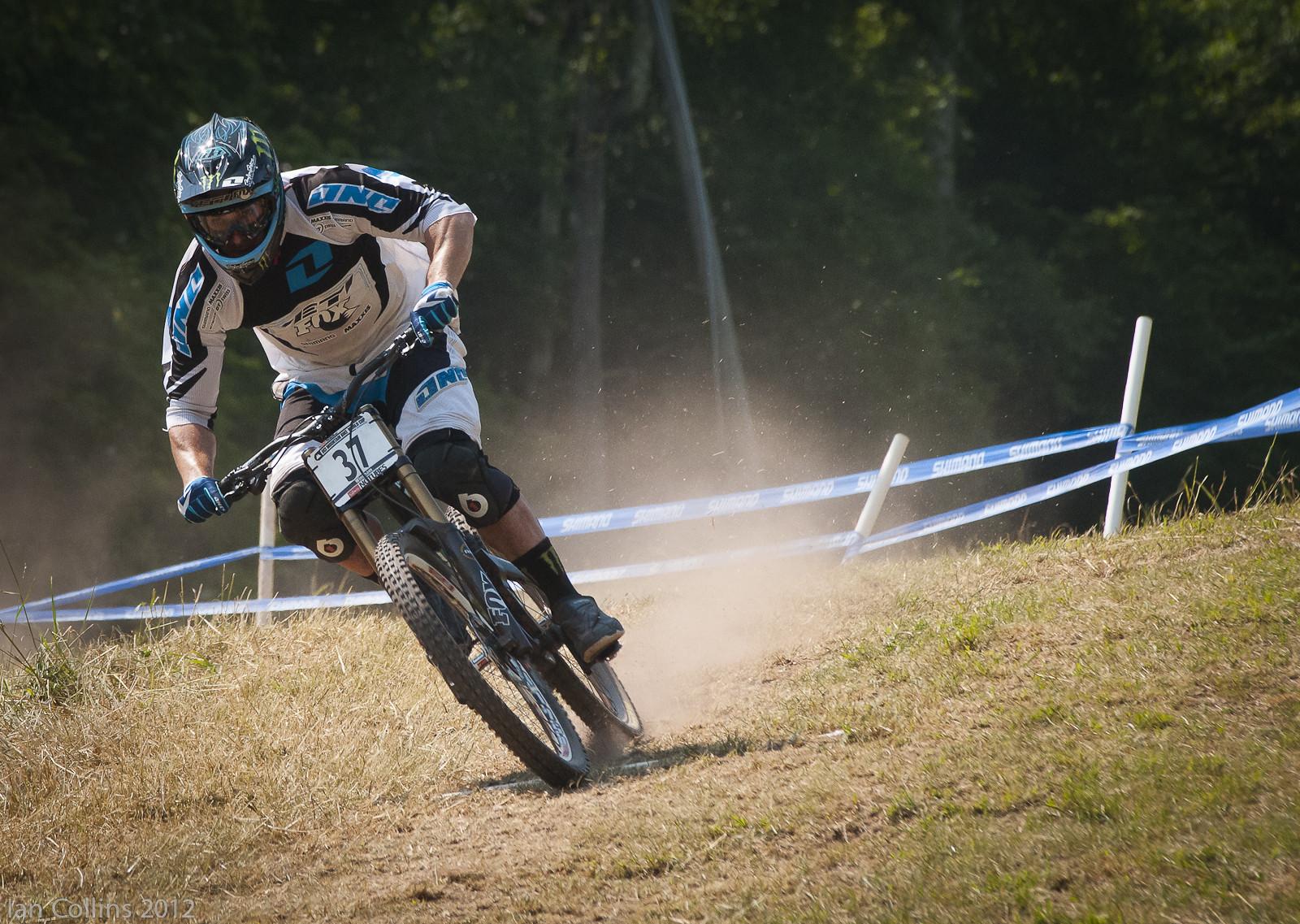 Jared Graves - Ian Collins - Mountain Biking Pictures - Vital MTB
