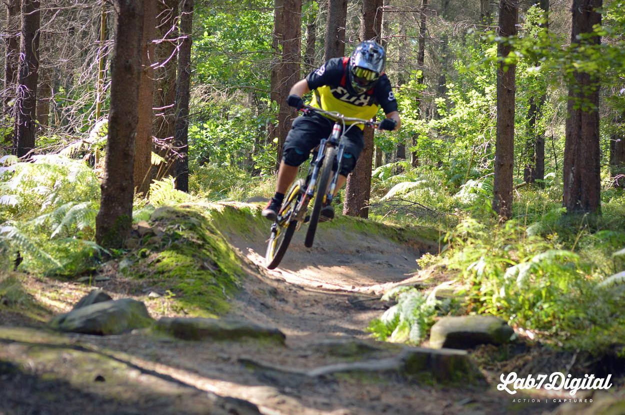 Neil Enduro Wheelie - lab7digital - Mountain Biking Pictures - Vital MTB