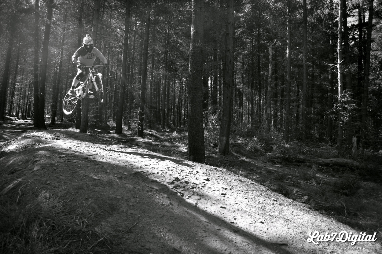 Phil Airtime B&W - lab7digital - Mountain Biking Pictures - Vital MTB