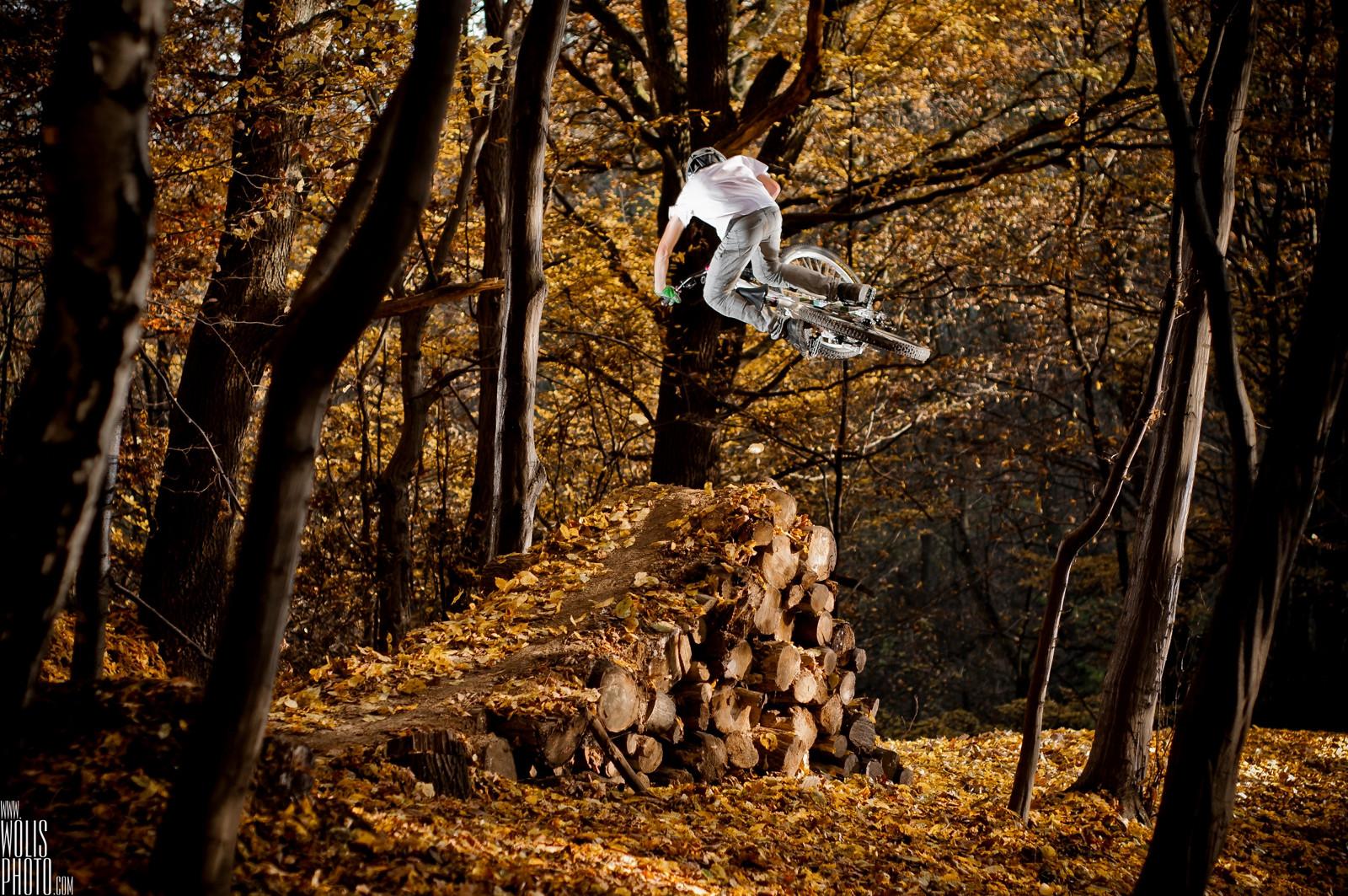 Tabletop - JawsMtb - Mountain Biking Pictures - Vital MTB
