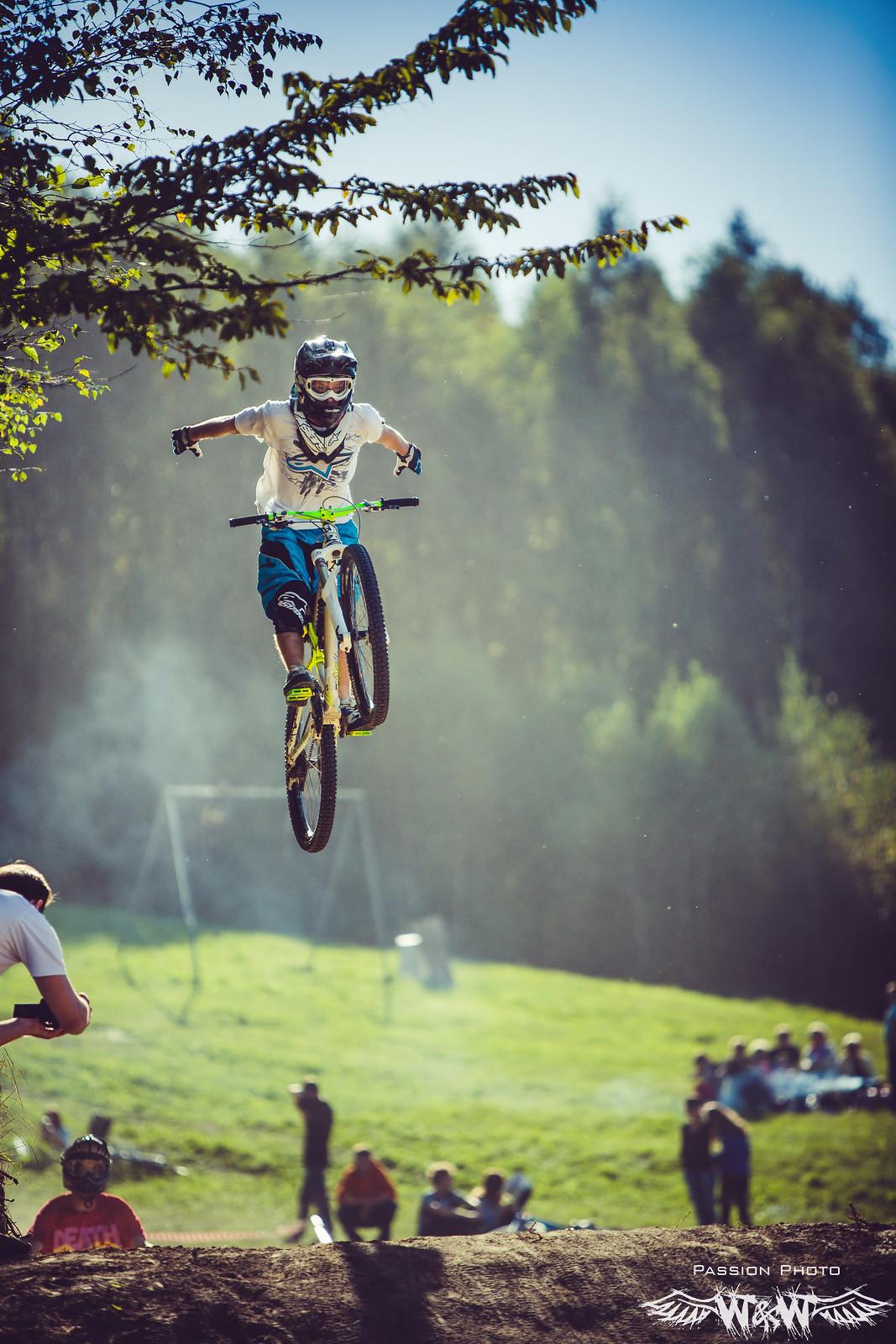 Nohand - JawsMtb - Mountain Biking Pictures - Vital MTB
