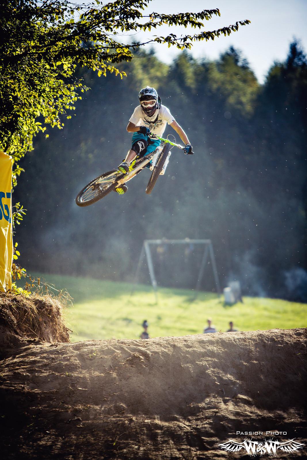 air - JawsMtb - Mountain Biking Pictures - Vital MTB