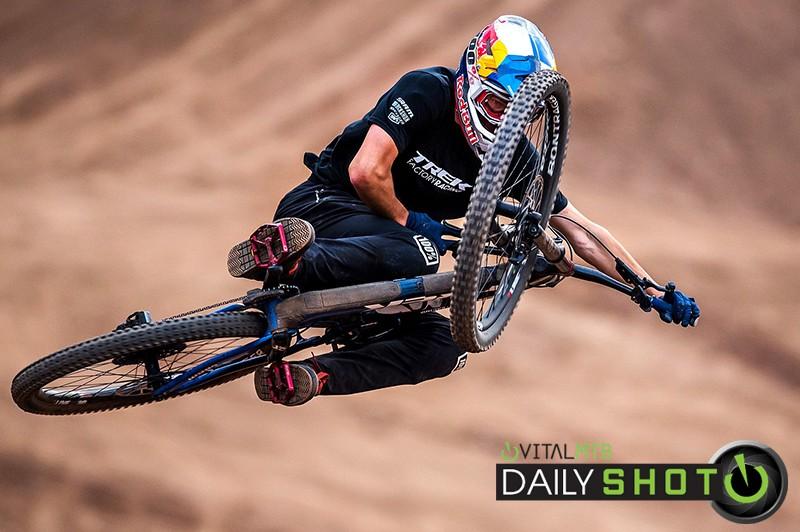 Pedro Burns - se7en.cl - Mountain Biking Pictures - Vital MTB