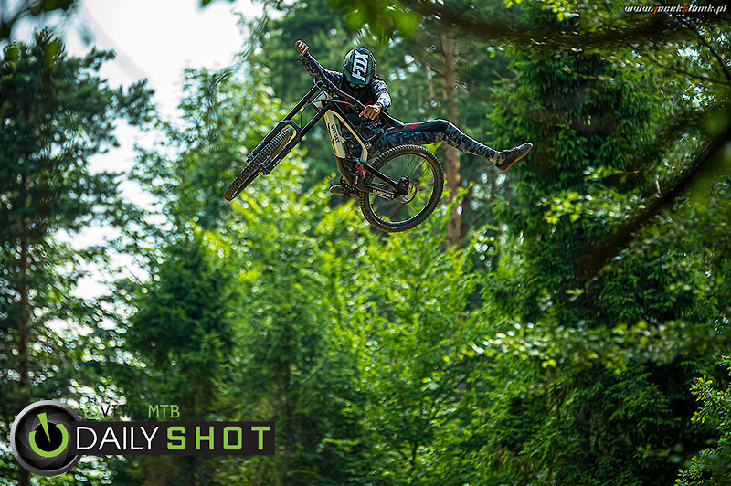 Loose Sesh with Kacper Miętka & Other Riders - JacekSlonik - Mountain Biking Pictures - Vital MTB