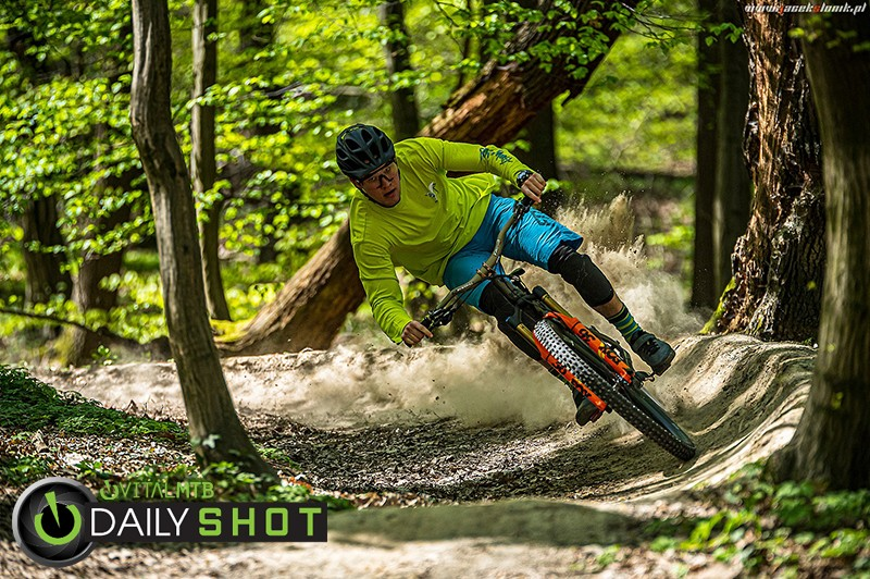 Brrraaaaap! - JacekSlonik - Mountain Biking Pictures - Vital MTB