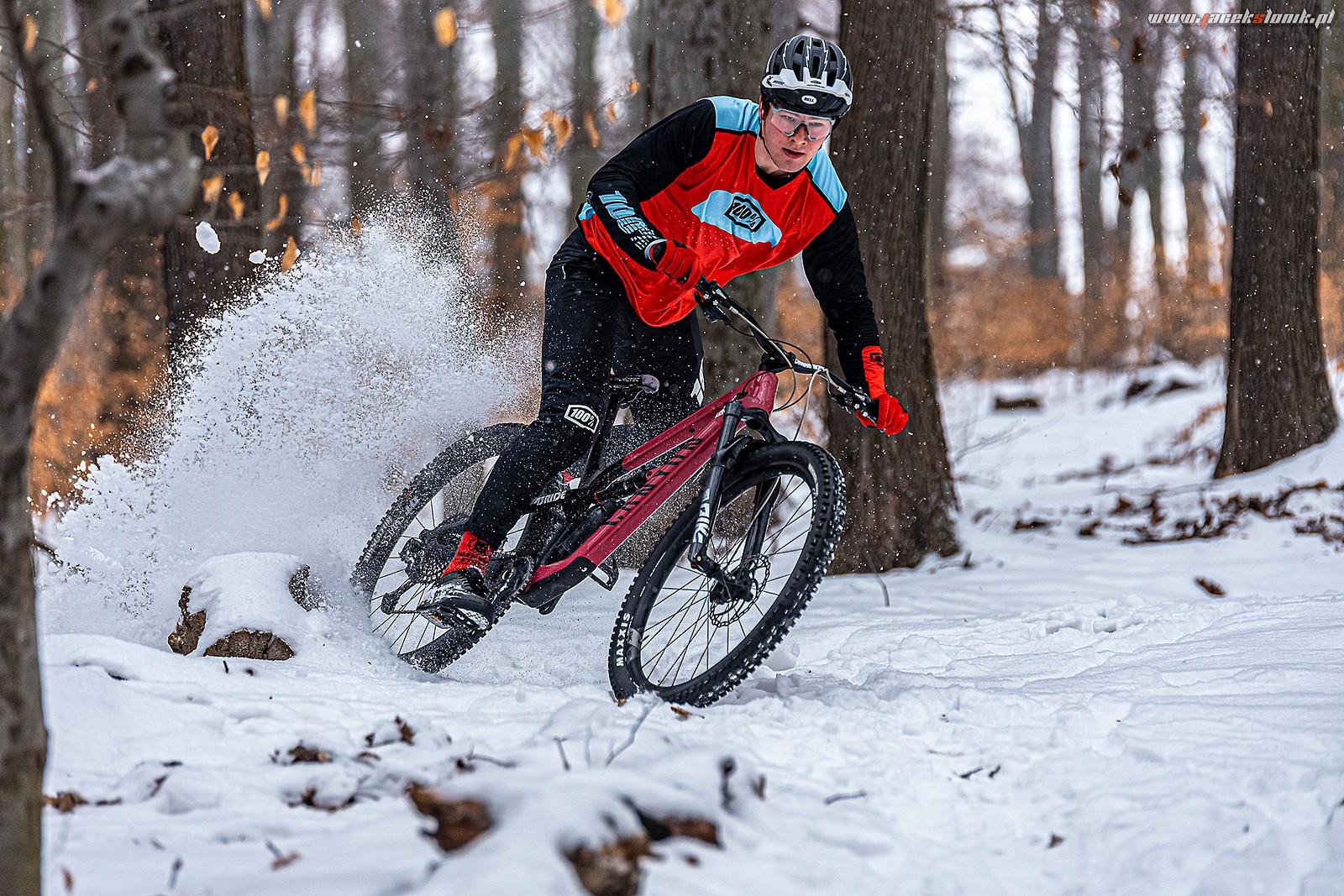 Riding on a snow ... - JacekSlonik - Mountain Biking Pictures - Vital MTB
