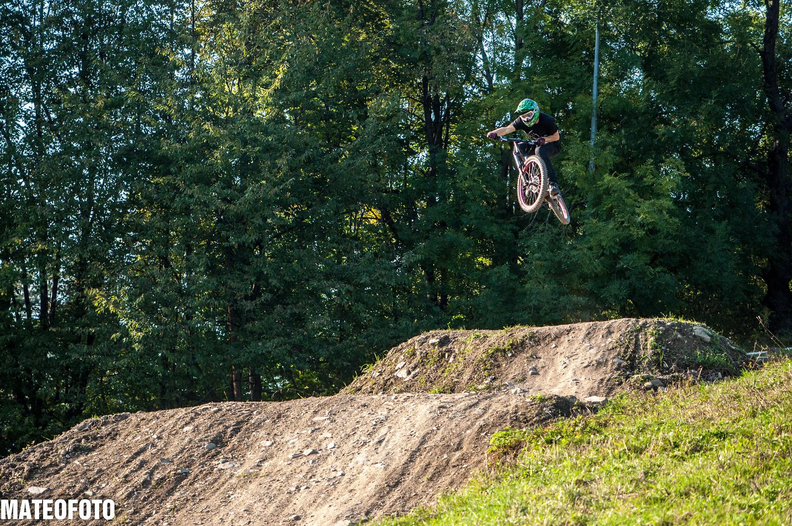 Going huge  - mateusz.handzlik - Mountain Biking Pictures - Vital MTB