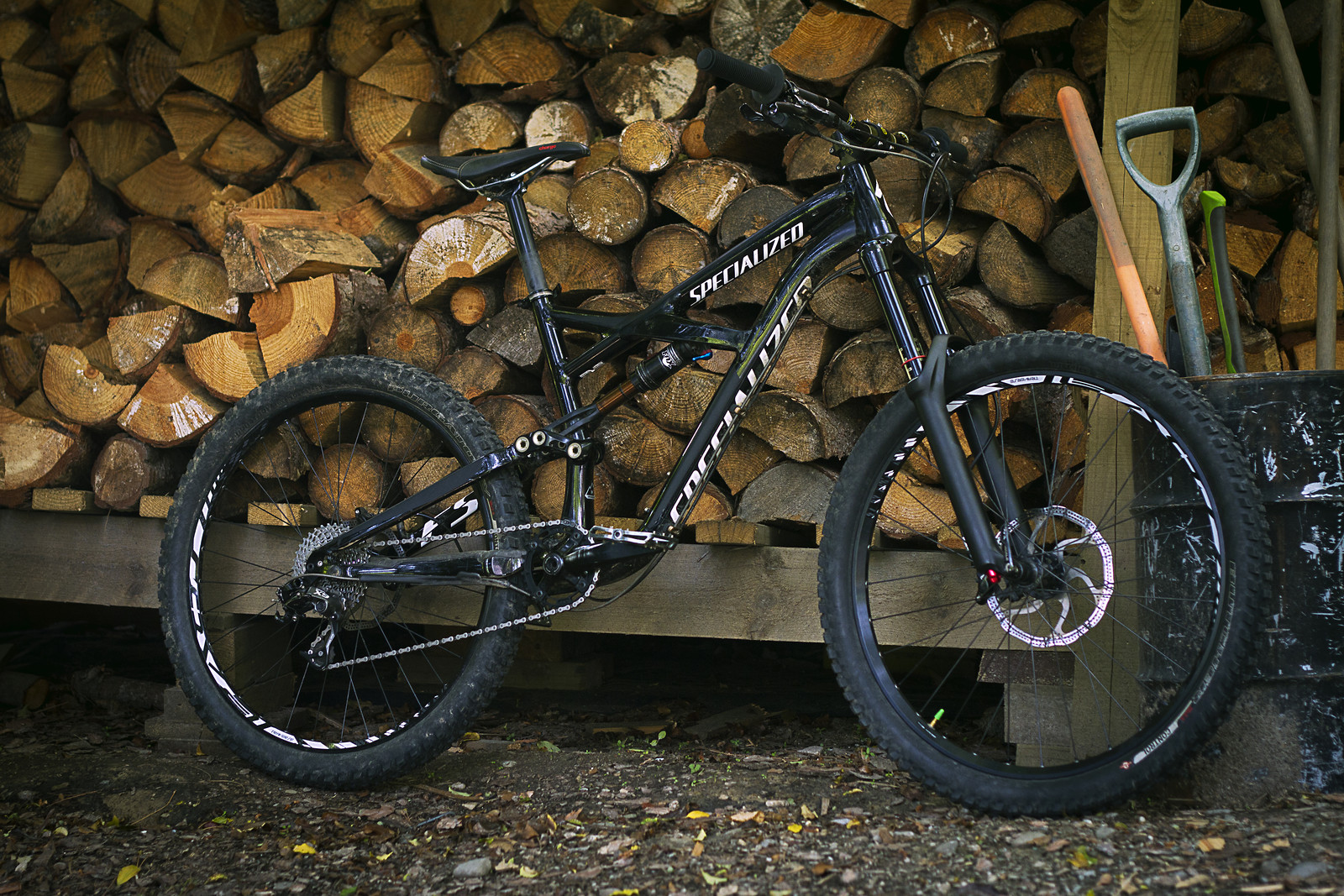 All Black Specialized Enduro