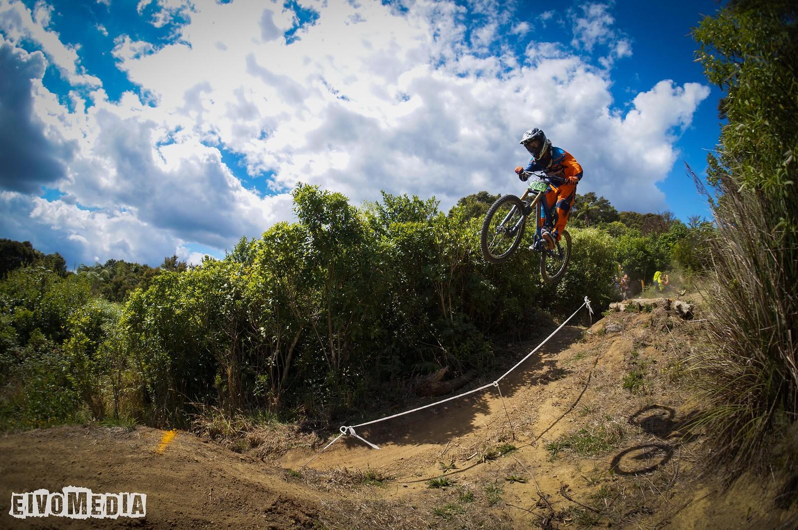 Hunua DH - EIVOMEDIA - Mountain Biking Pictures - Vital MTB