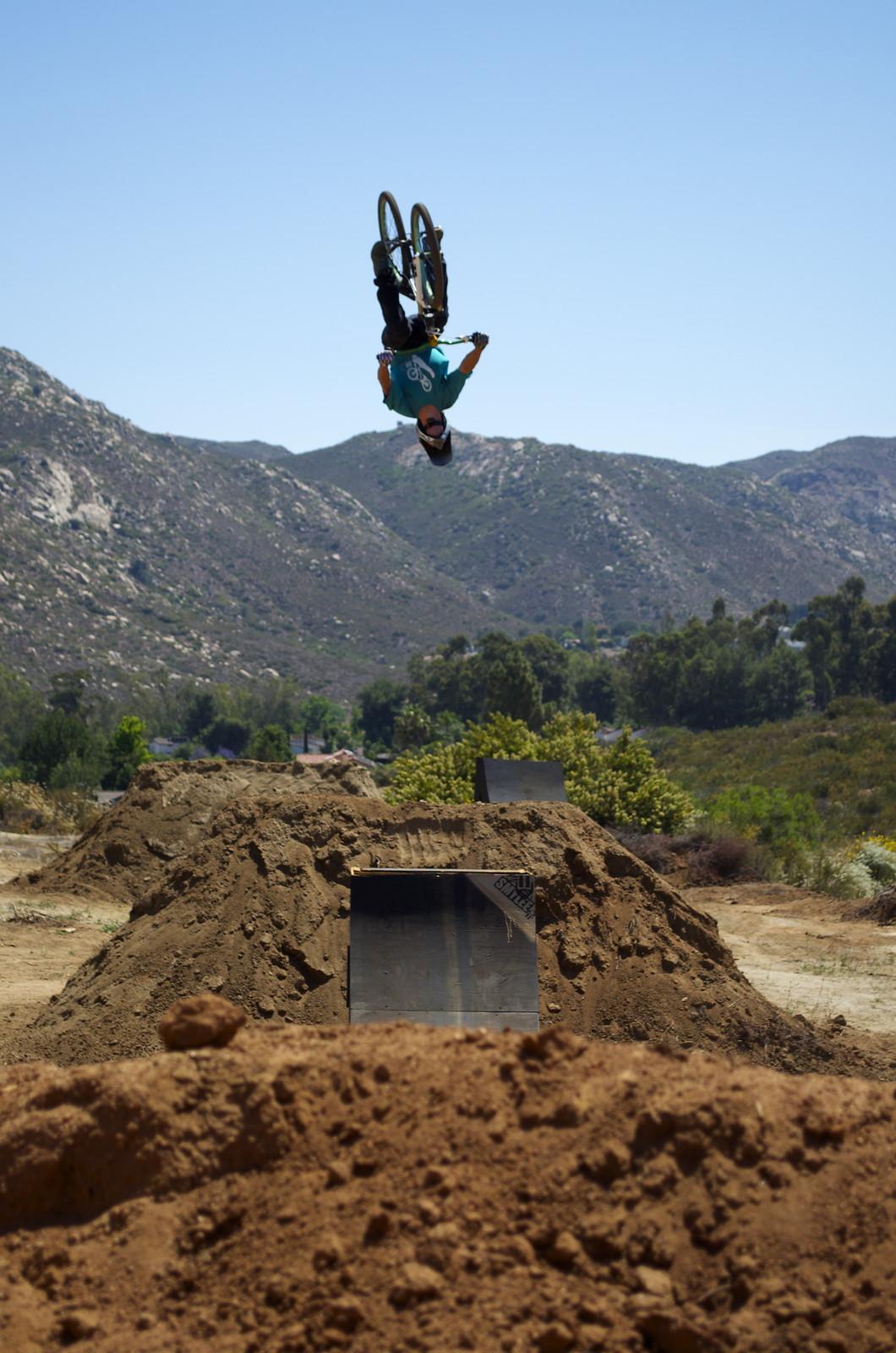 james visser backflip - lucas.delozier - Mountain Biking Pictures - Vital MTB