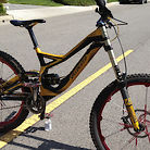 2011 Gold Specialized Demo 8