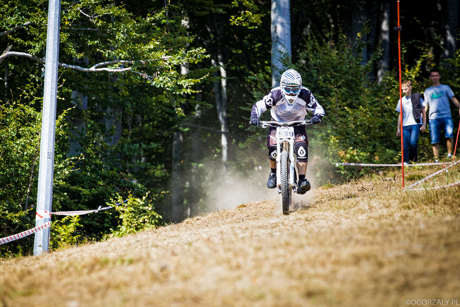 Alone in the dust - adrian.harat - Mountain Biking Pictures - Vital MTB