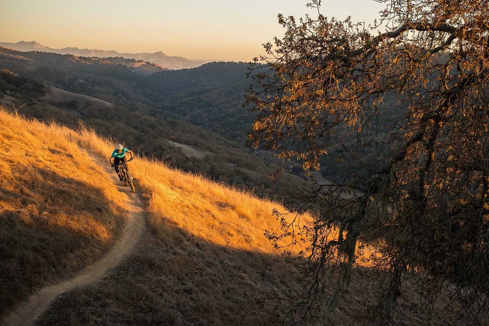 Out in the hills - danseverson photo - Mountain Biking Pictures - Vital MTB
