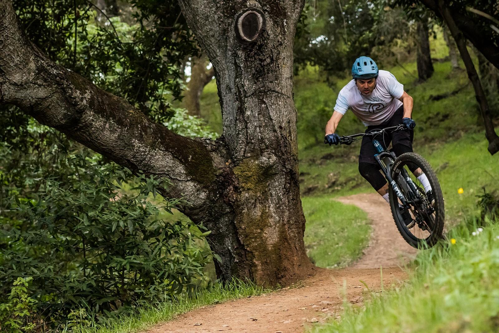 Alain Lanusse - danseverson photo - Mountain Biking Pictures - Vital MTB