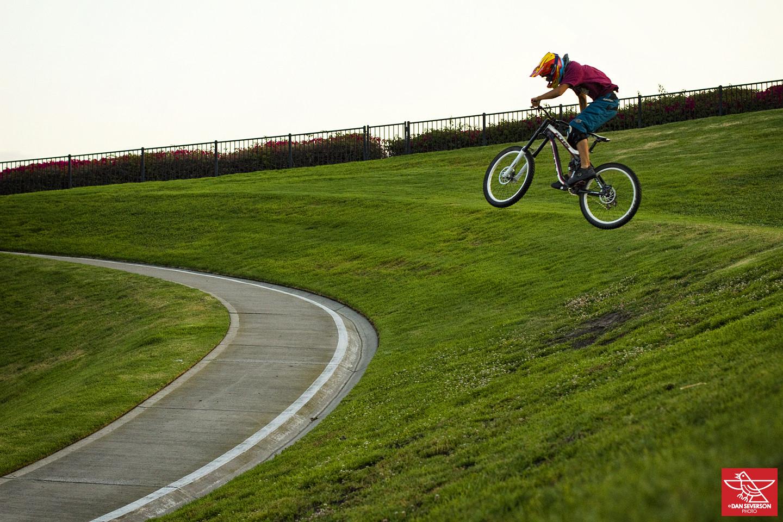 Zak Rustigian AKA Z-WAAAAAZ - danseverson photo - Mountain Biking Pictures - Vital MTB