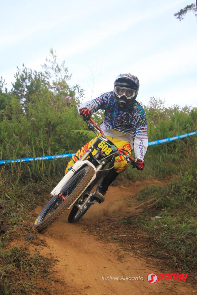 Shimano UKDI Seri 2 2012 - Juniver - Mountain Biking Pictures - Vital MTB