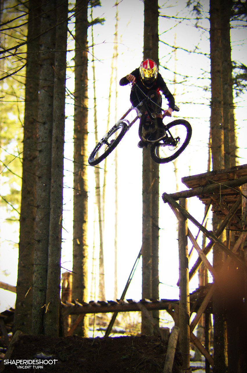 vincent motocross  - ShapeRideShoot - Mountain Biking Pictures - Vital MTB