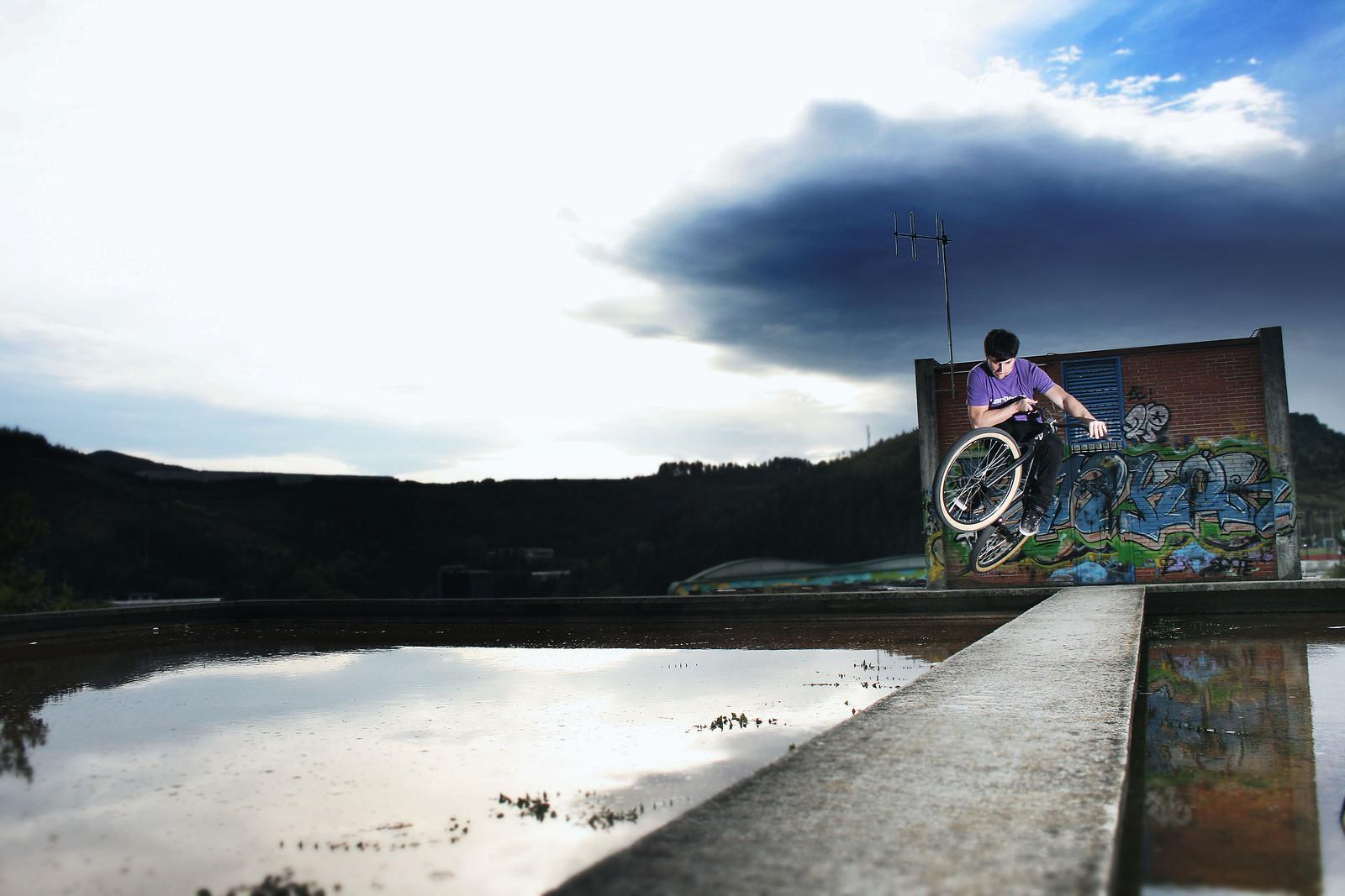 bunny table top - egino - Mountain Biking Pictures - Vital MTB