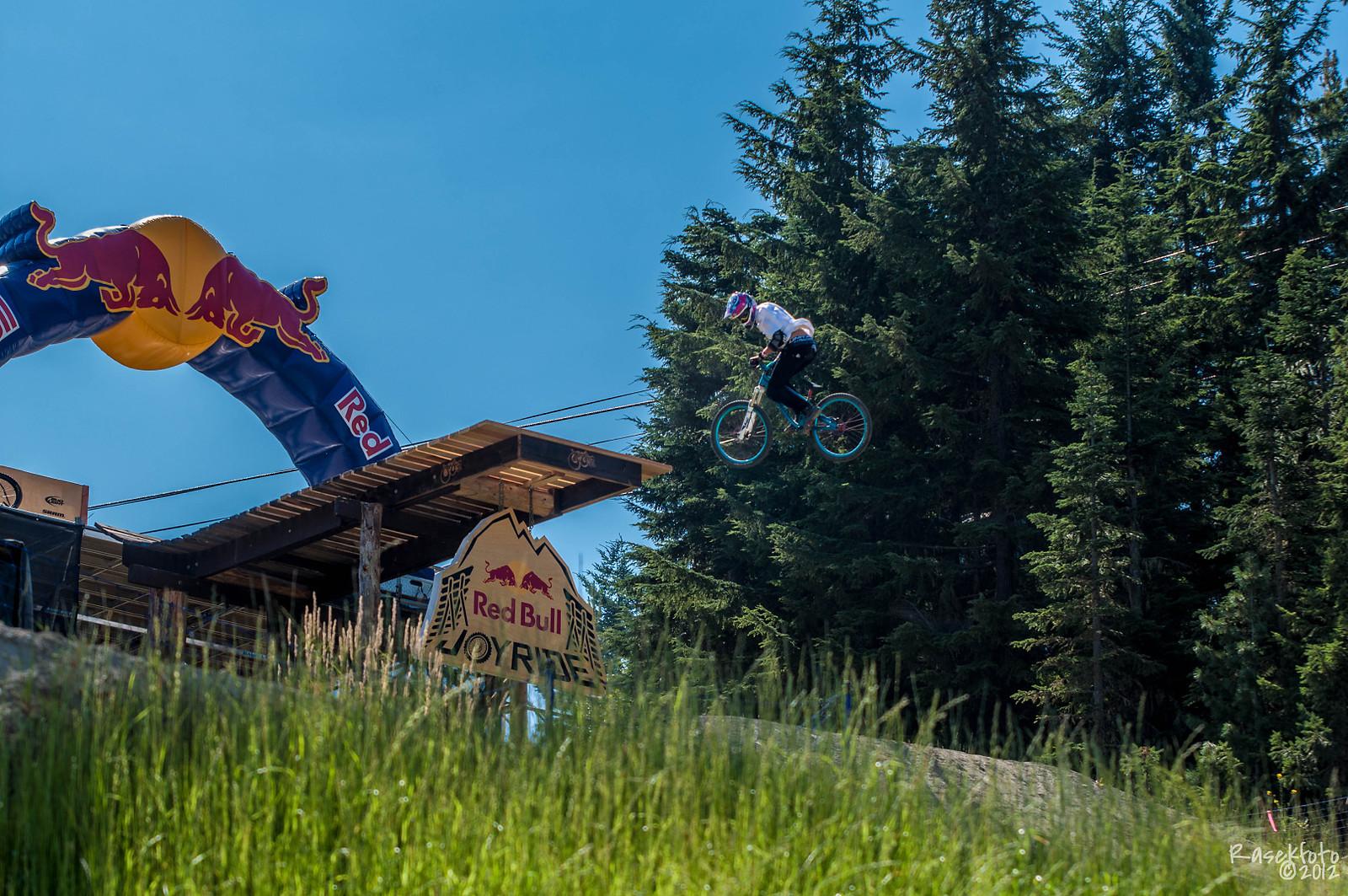 360 first drop - Dartmoor Bikes - Mountain Biking Pictures - Vital MTB