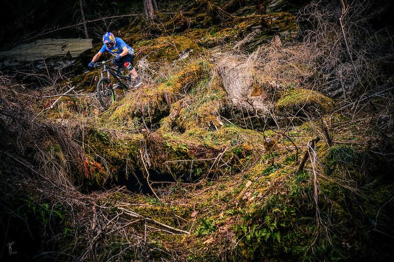 Godziek on the road - Dartmoor Bikes - Mountain Biking Pictures - Vital MTB