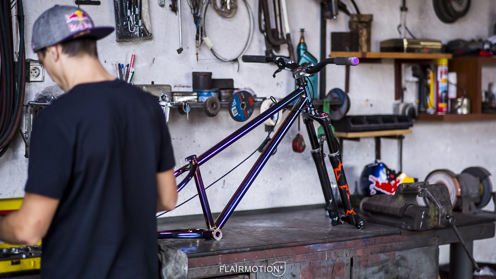 Dartmoor Cody in limited petrol finish - Dartmoor Bikes - Mountain Biking Pictures - Vital MTB