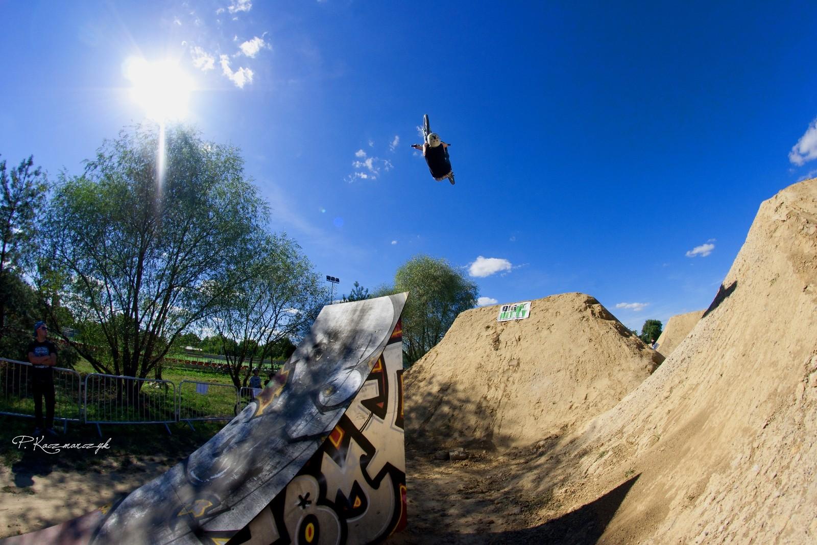 Backflip X-Up - piotrkaczmarczyk - Mountain Biking Pictures - Vital MTB