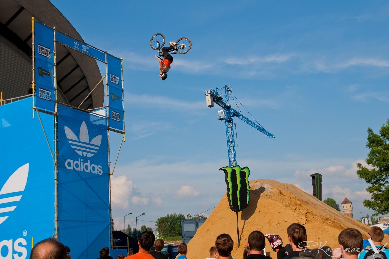 Backflip step down - piotrkaczmarczyk - Mountain Biking Pictures - Vital MTB
