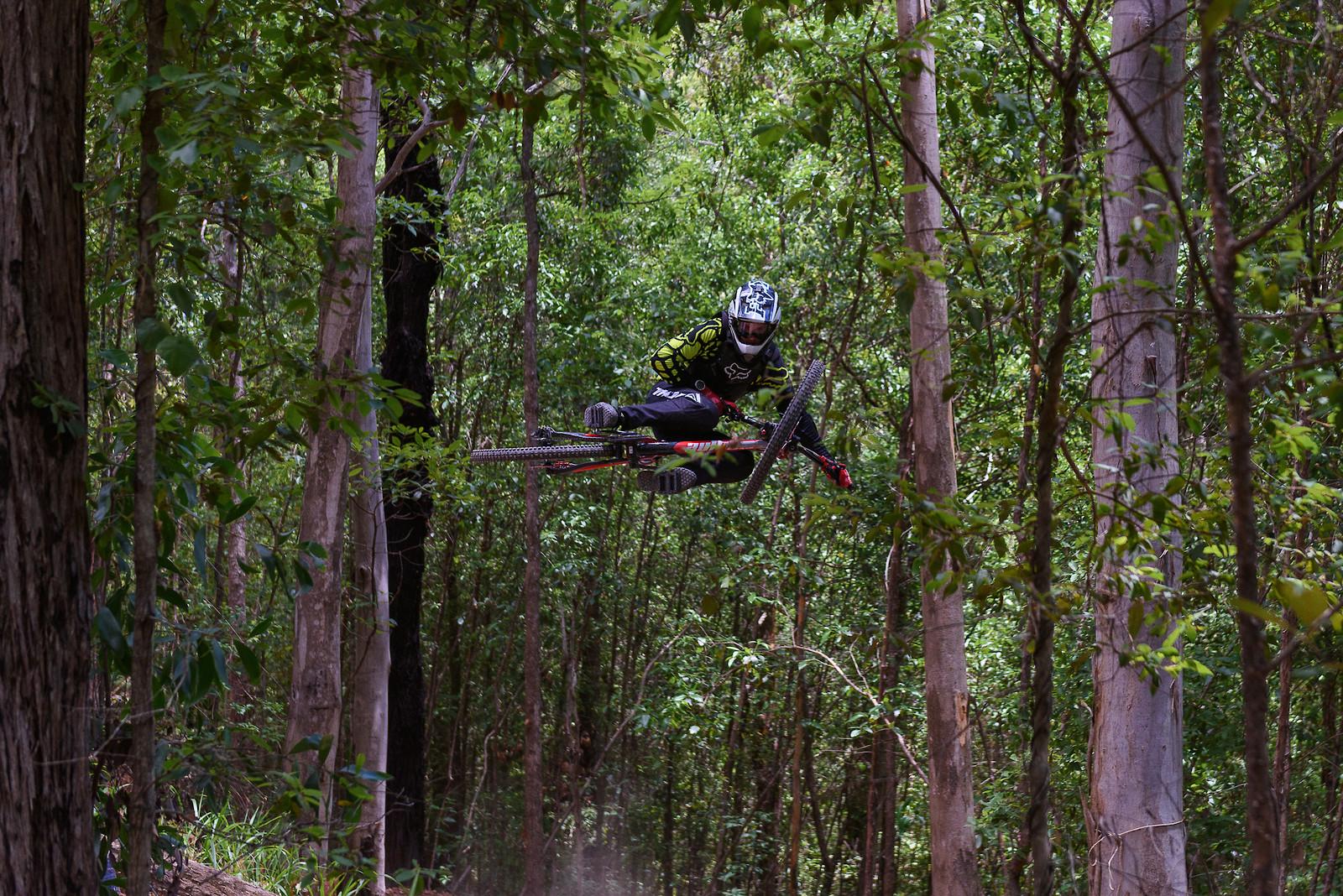 this hip is fun - Zer0mtb - Mountain Biking Pictures - Vital MTB