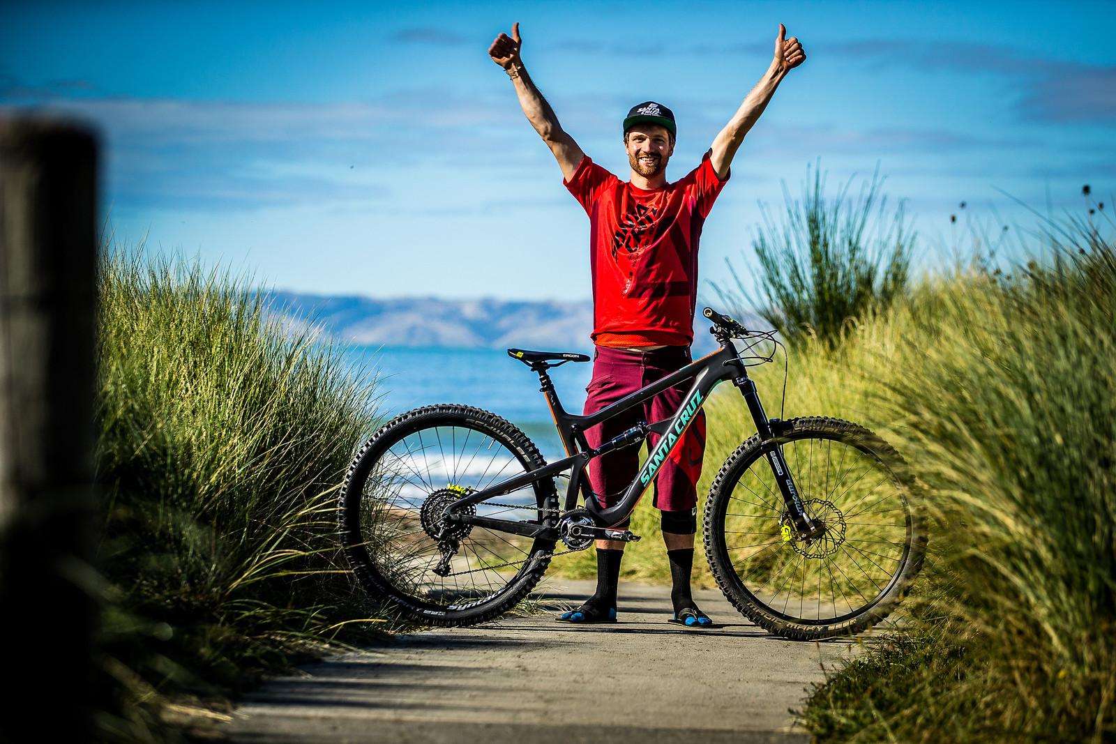 2017 NZ Enduro Pro Bikes - Max Schumann's Santa Cruz Hightower - 2017 NZ Enduro Pro Bikes - They Wreck 'Em, We Check 'Em - Mountain Biking Pictures - Vital MTB