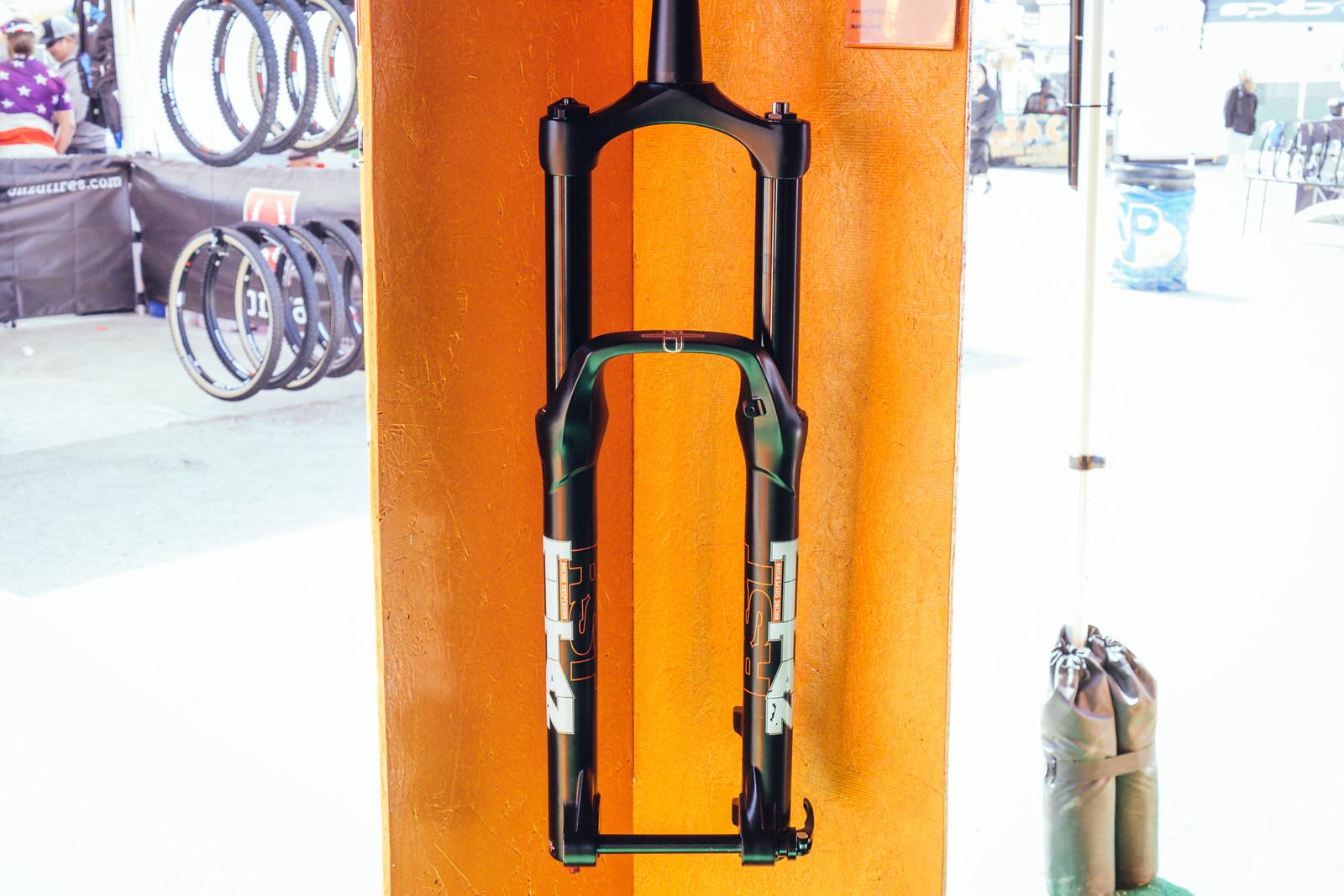 RST Forks - FredLikesTrikes - Mountain Biking Pictures - Vital MTB