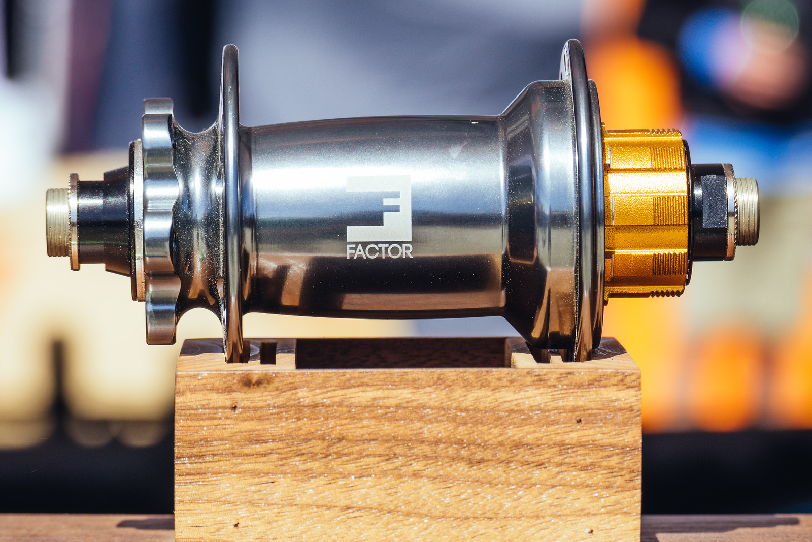 Single-Speed Factor Hub - FredLikesTrikes - Mountain Biking Pictures - Vital MTB