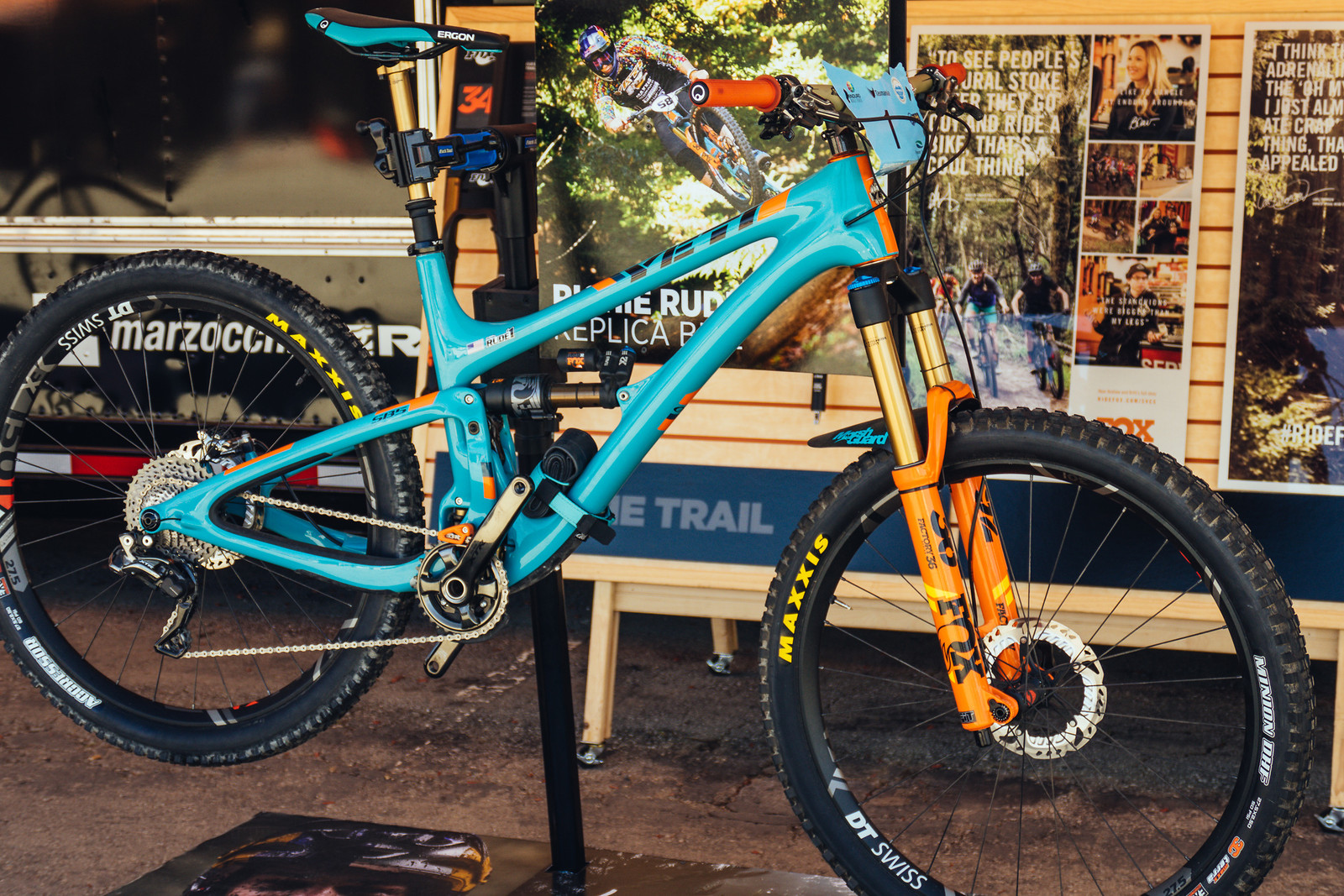 Replica Richie Rude Yeti SB5 EWS Race Bike - FredLikesTrikes - Mountain Biking Pictures - Vital MTB