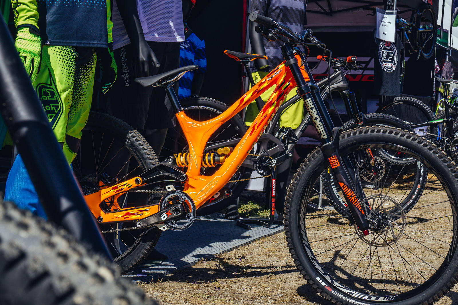 Limited Edition Troy Lee Designs Specialized Demo - FredLikesTrikes - Mountain Biking Pictures - Vital MTB
