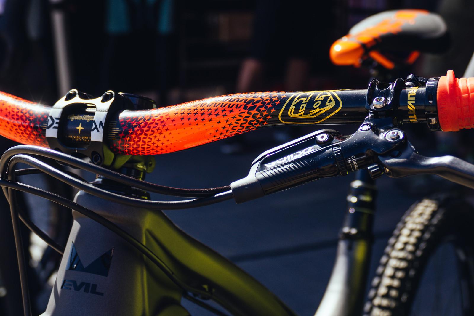 Truvativ Descendant CoLab TLD Bars and RockShox Stickers - FredLikesTrikes - Mountain Biking Pictures - Vital MTB