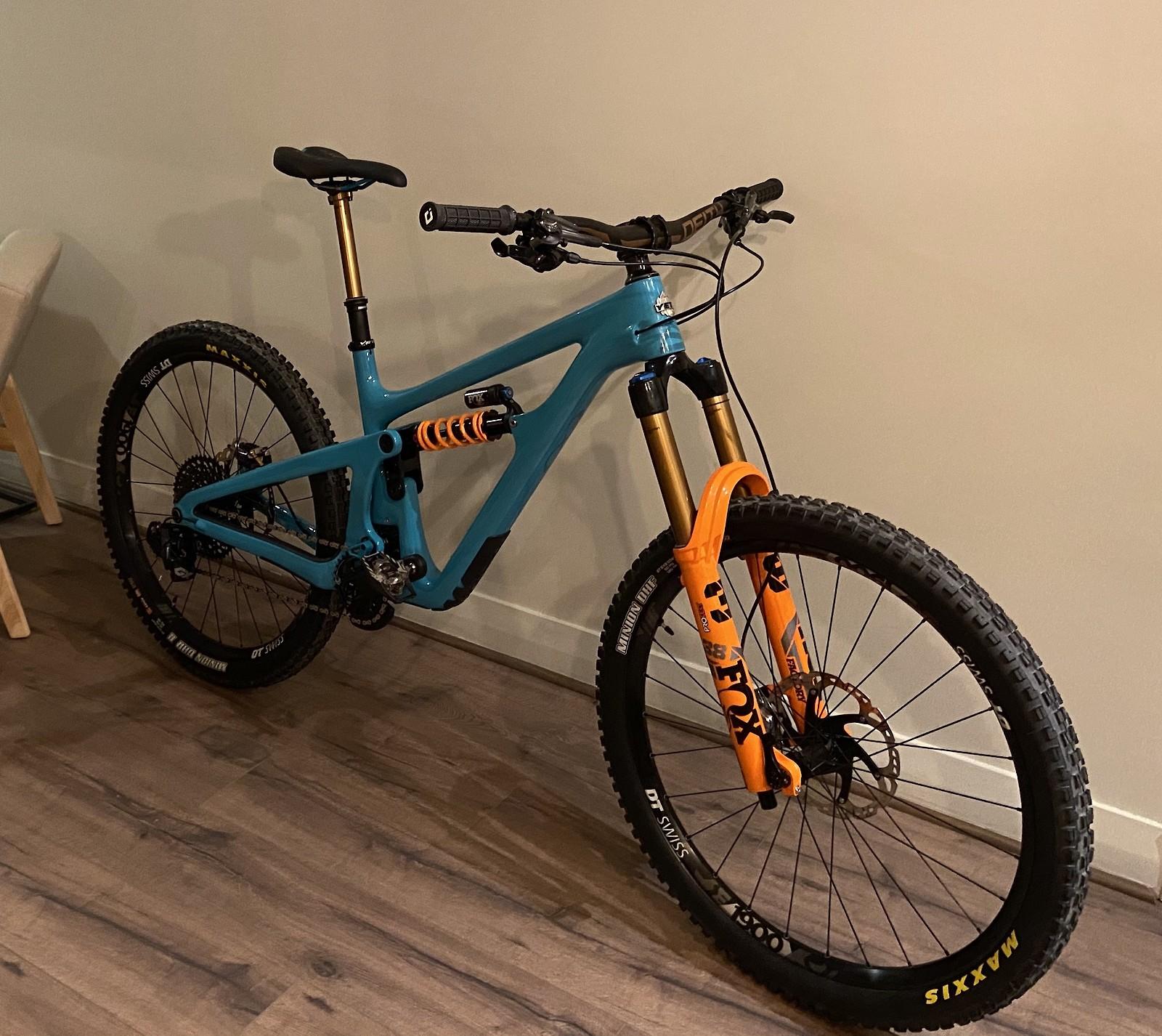 Custom Yeti  SB165