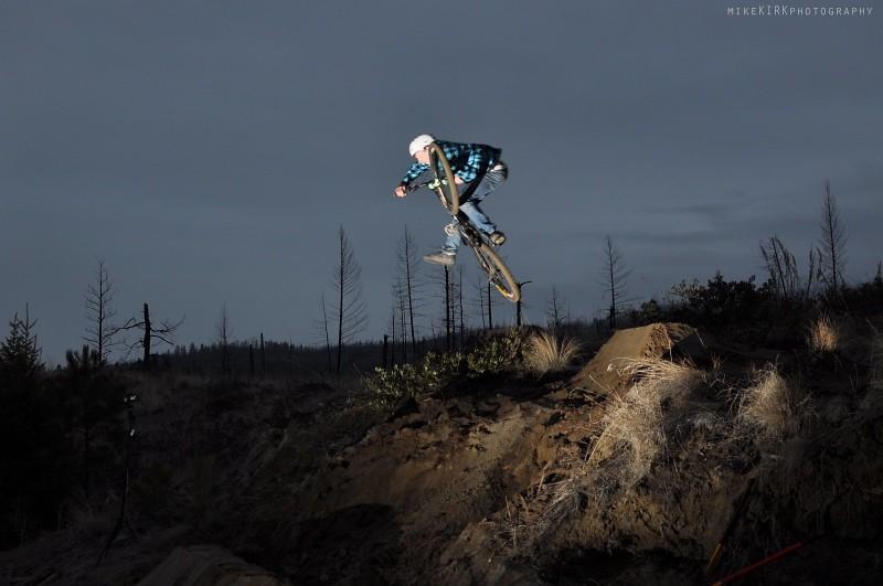 buzzer - T-Cliff - Mountain Biking Pictures - Vital MTB