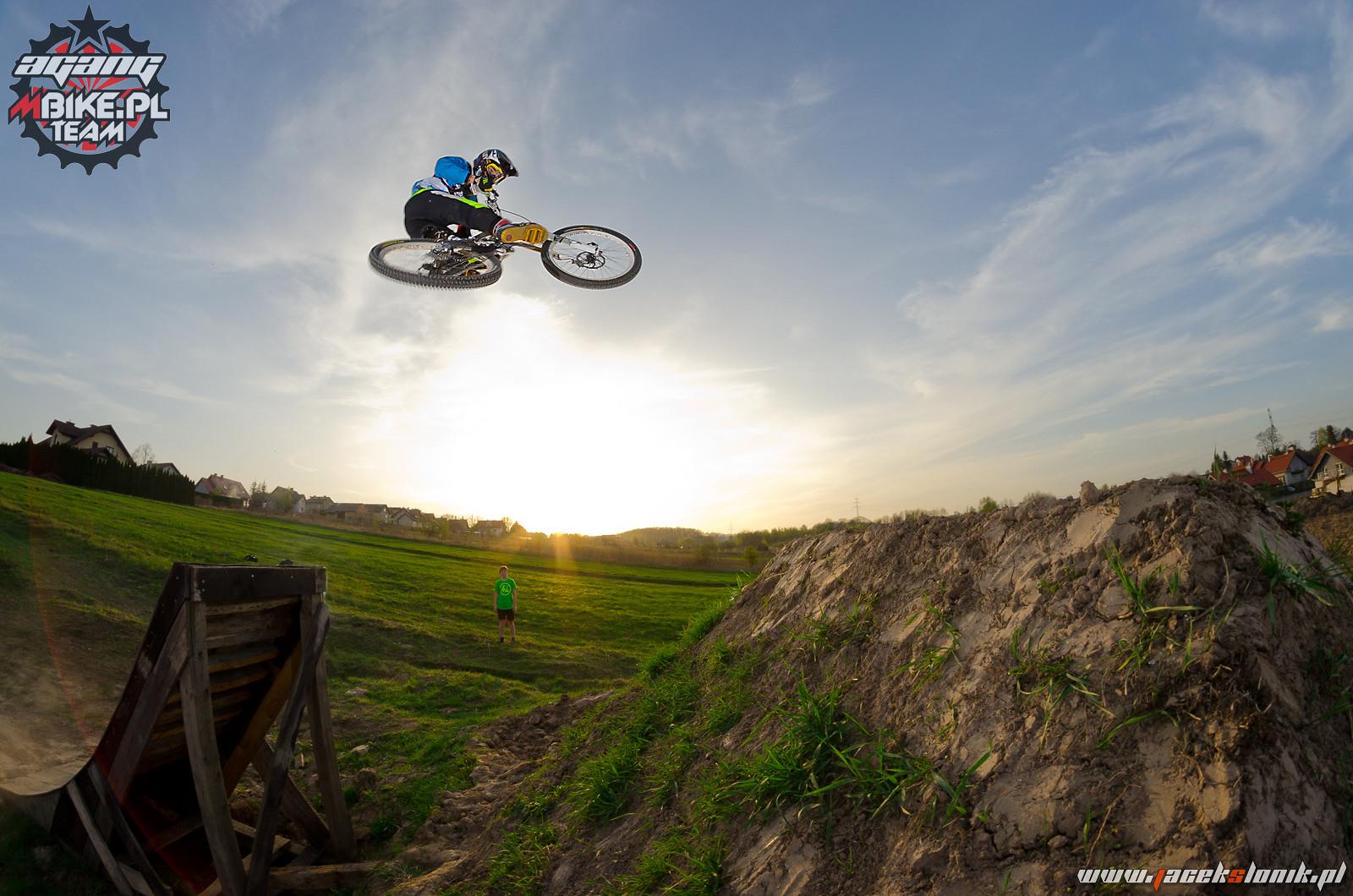 WHIP IT - Kawula - Mountain Biking Pictures - Vital MTB