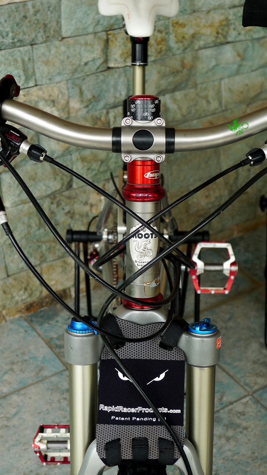 Moots Cinco Ti - EGOLL\'s Bike Check - Vital MTB