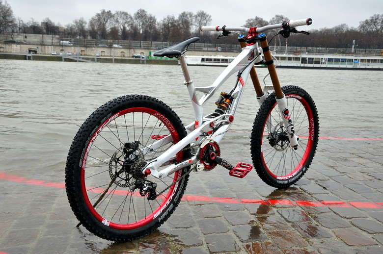 YT industries TUES World Cup Limited Edition