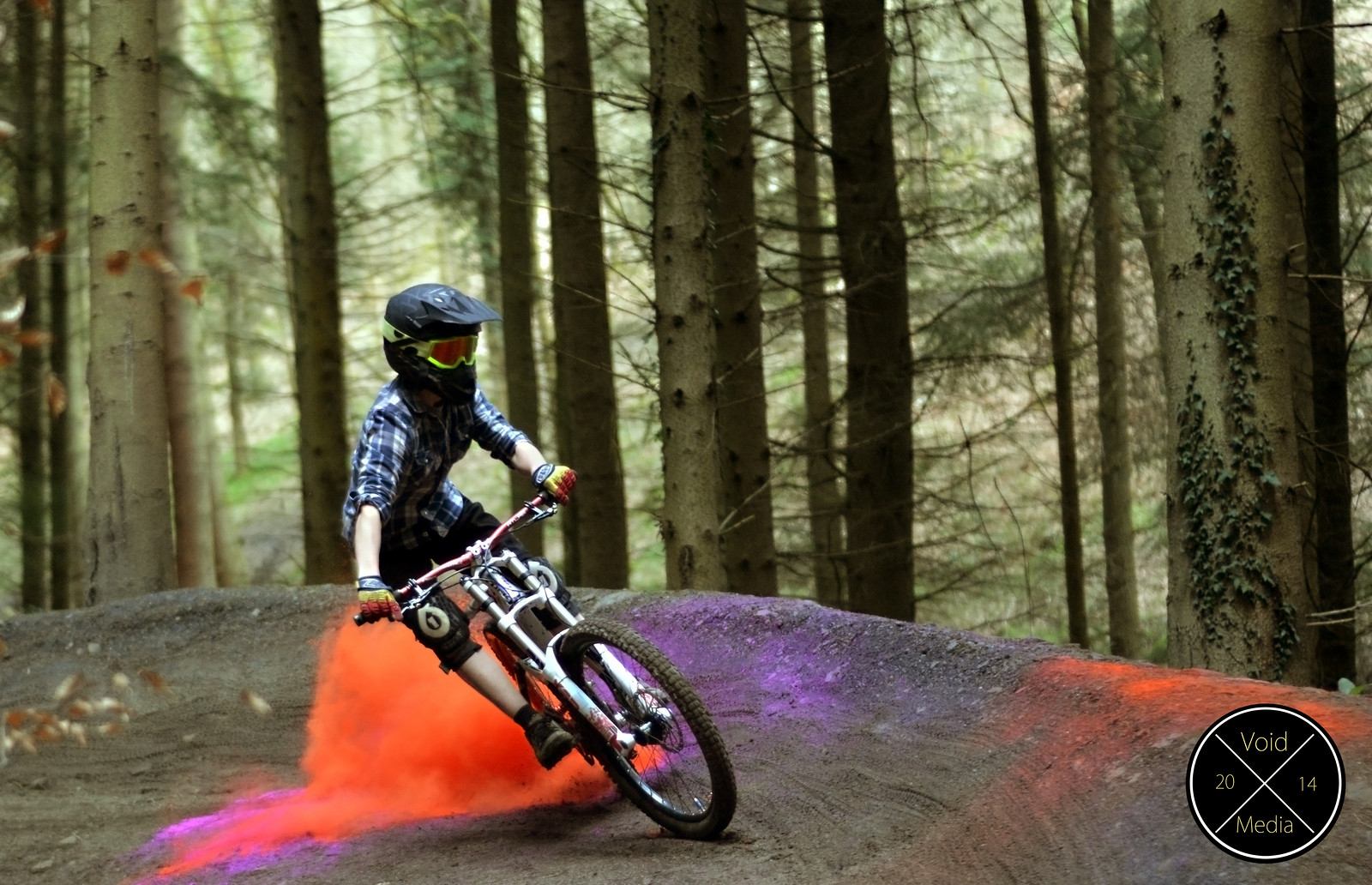 Drifting with style - Craighinch10 - Mountain Biking Pictures - Vital MTB