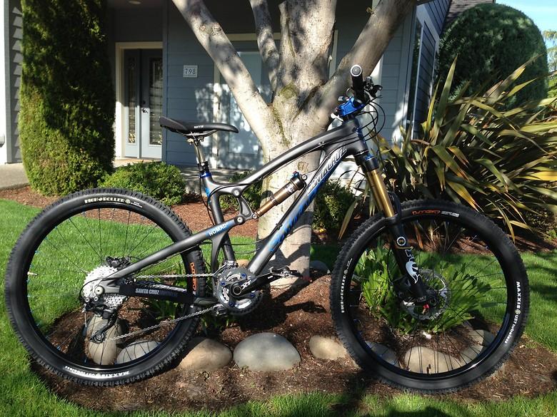 Yvette's Santa Cruz Carbon Nomad