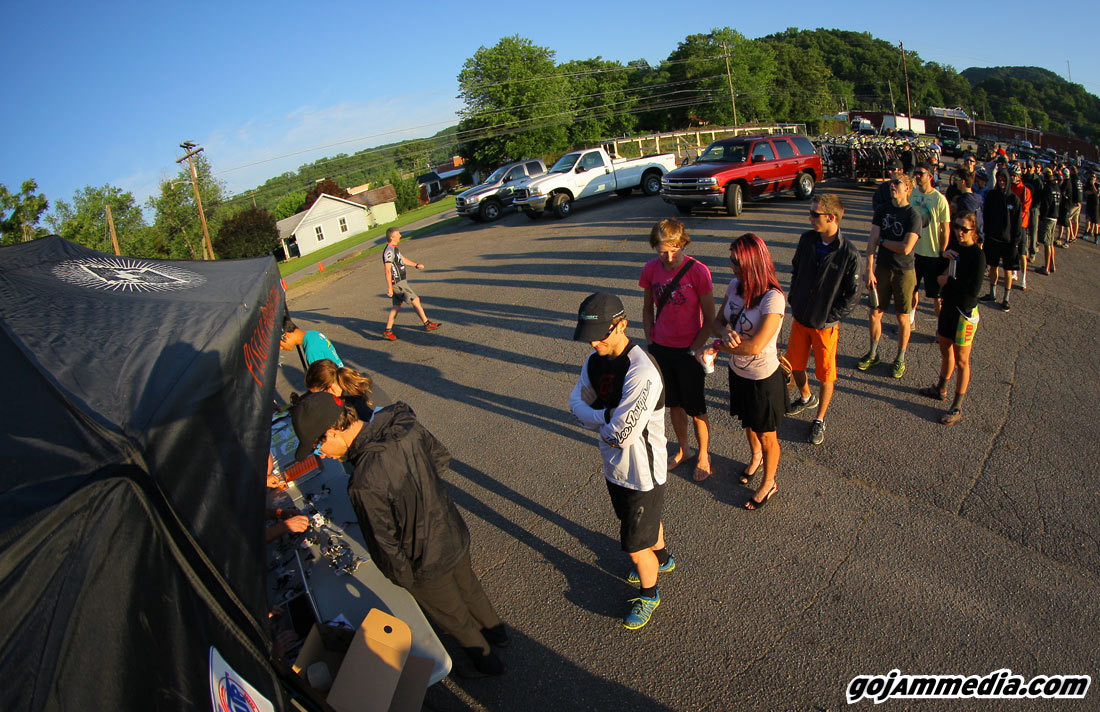 At the Crack-o-Dawn, the Line Piled Up Quick - gojammedia - Mountain Biking Pictures - Vital MTB