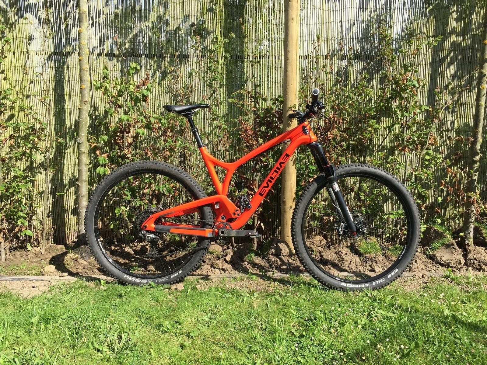 Doezel's Evil Following - 15 Freaking Fabulous Followings - The Evil Kind - Mountain Biking Pictures - Vital MTB