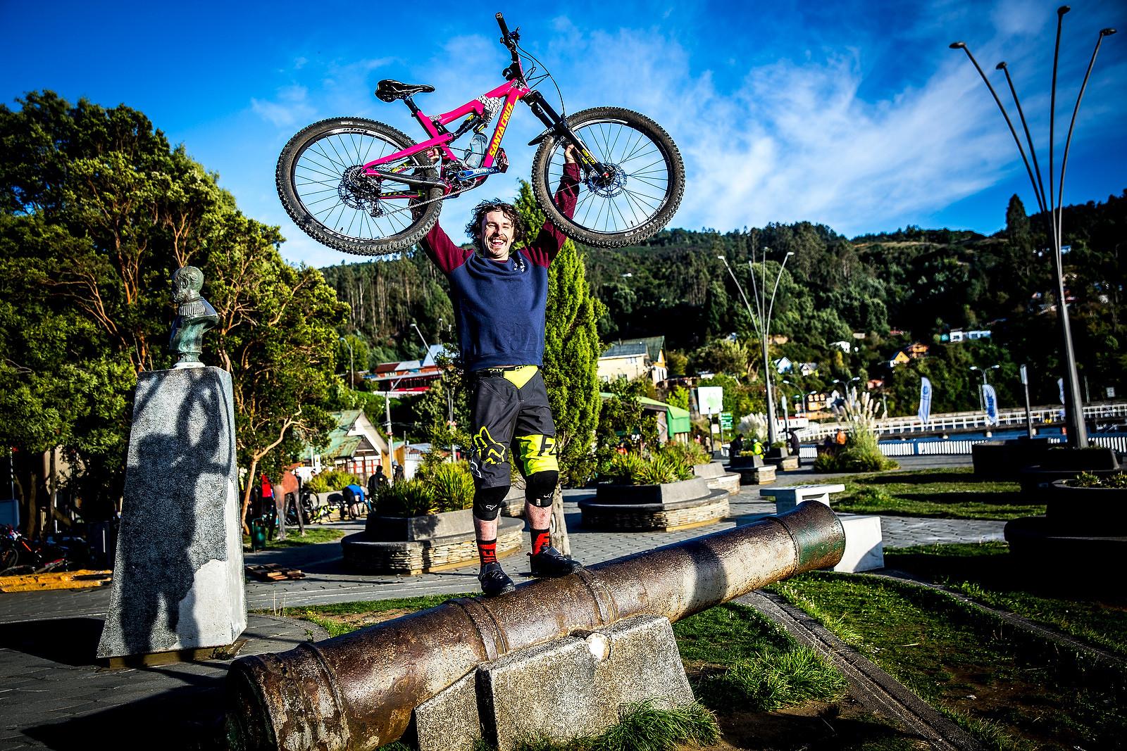 Josh Lewis - PIT BITS - Enduro World Series, Corral, Chile - Mountain Biking Pictures - Vital MTB