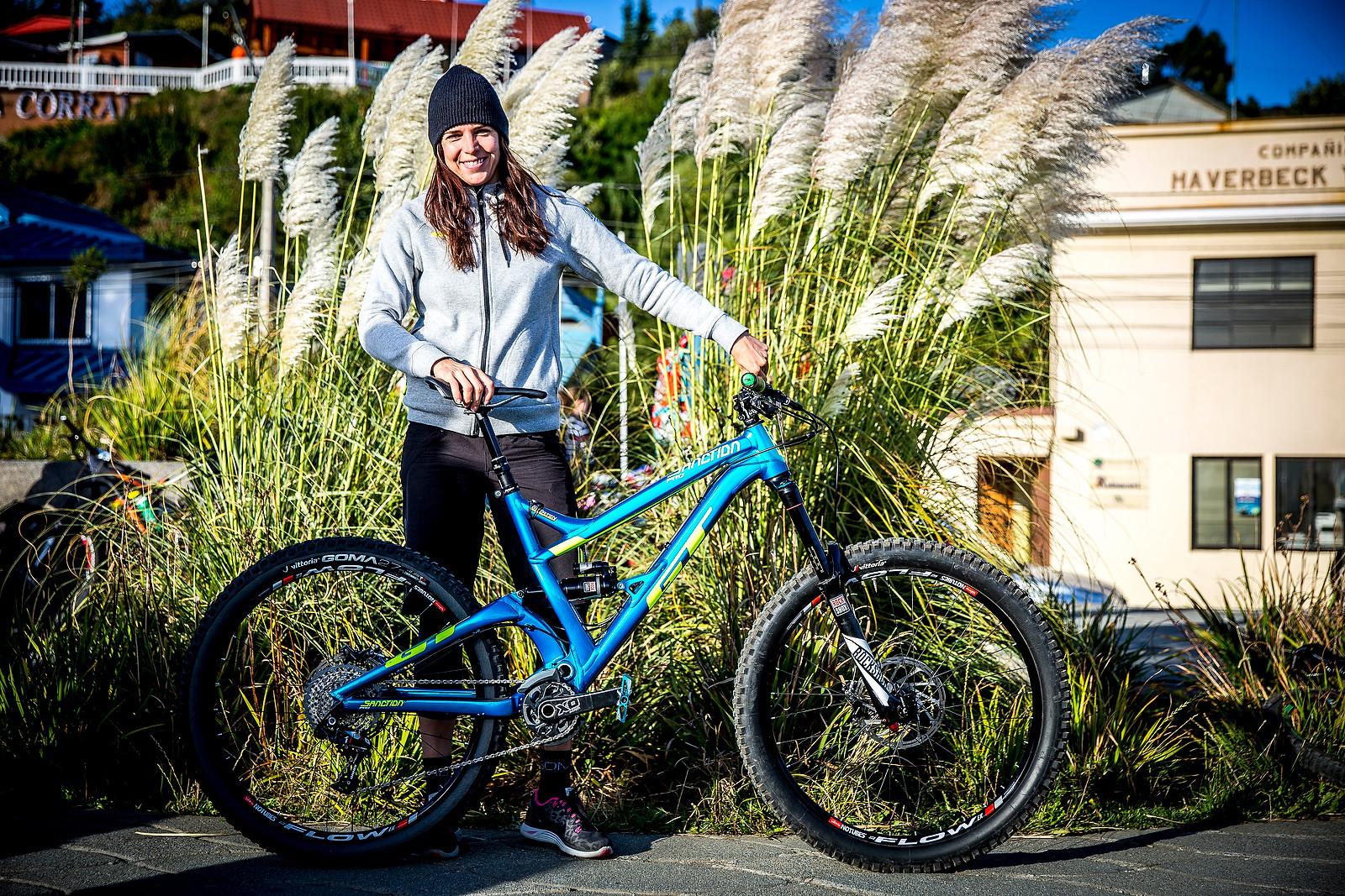 Anneke Beerten's GT Sanction - PIT BITS - Enduro World Series, Corral, Chile - Mountain Biking Pictures - Vital MTB