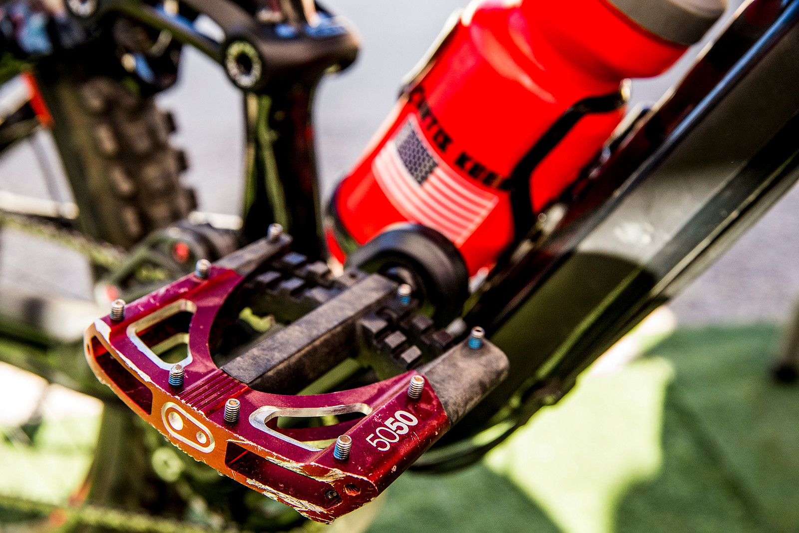Curtis Keene Racing Flat Pedals - PIT BITS - Enduro World Series, Corral, Chile - Mountain Biking Pictures - Vital MTB
