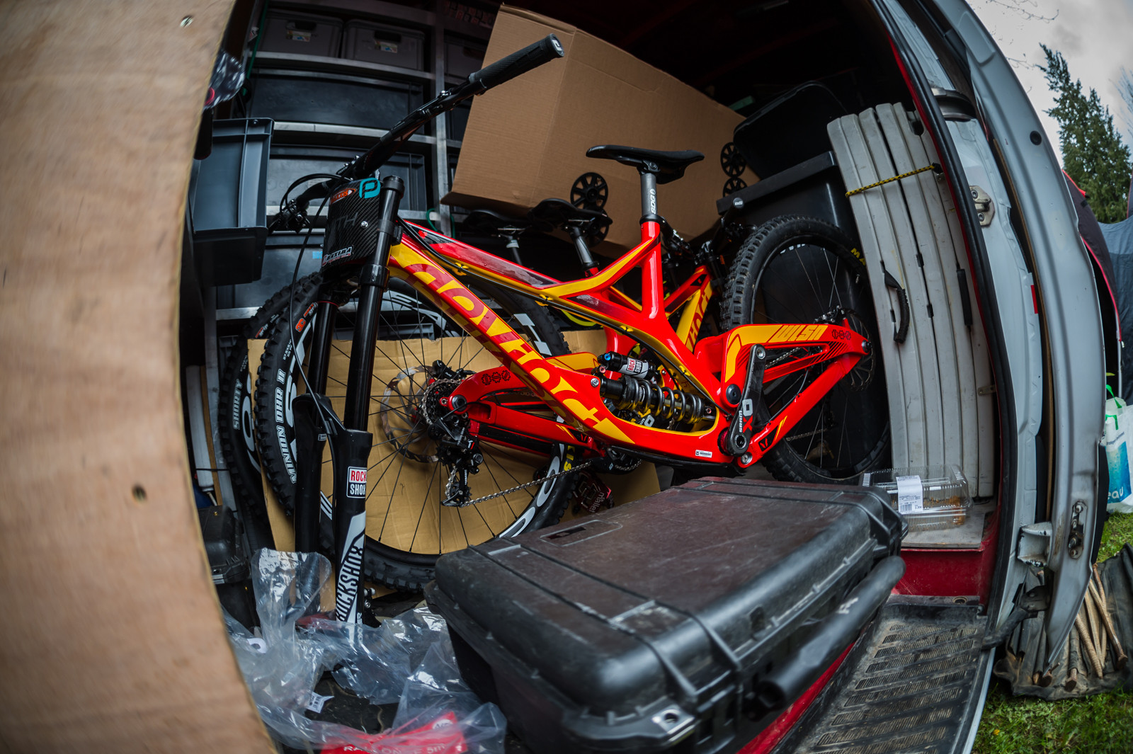Back of the Van, New Devinci Colors - PIT BITS - 2016 Lourdes World Cup Downhill - Mountain Biking Pictures - Vital MTB