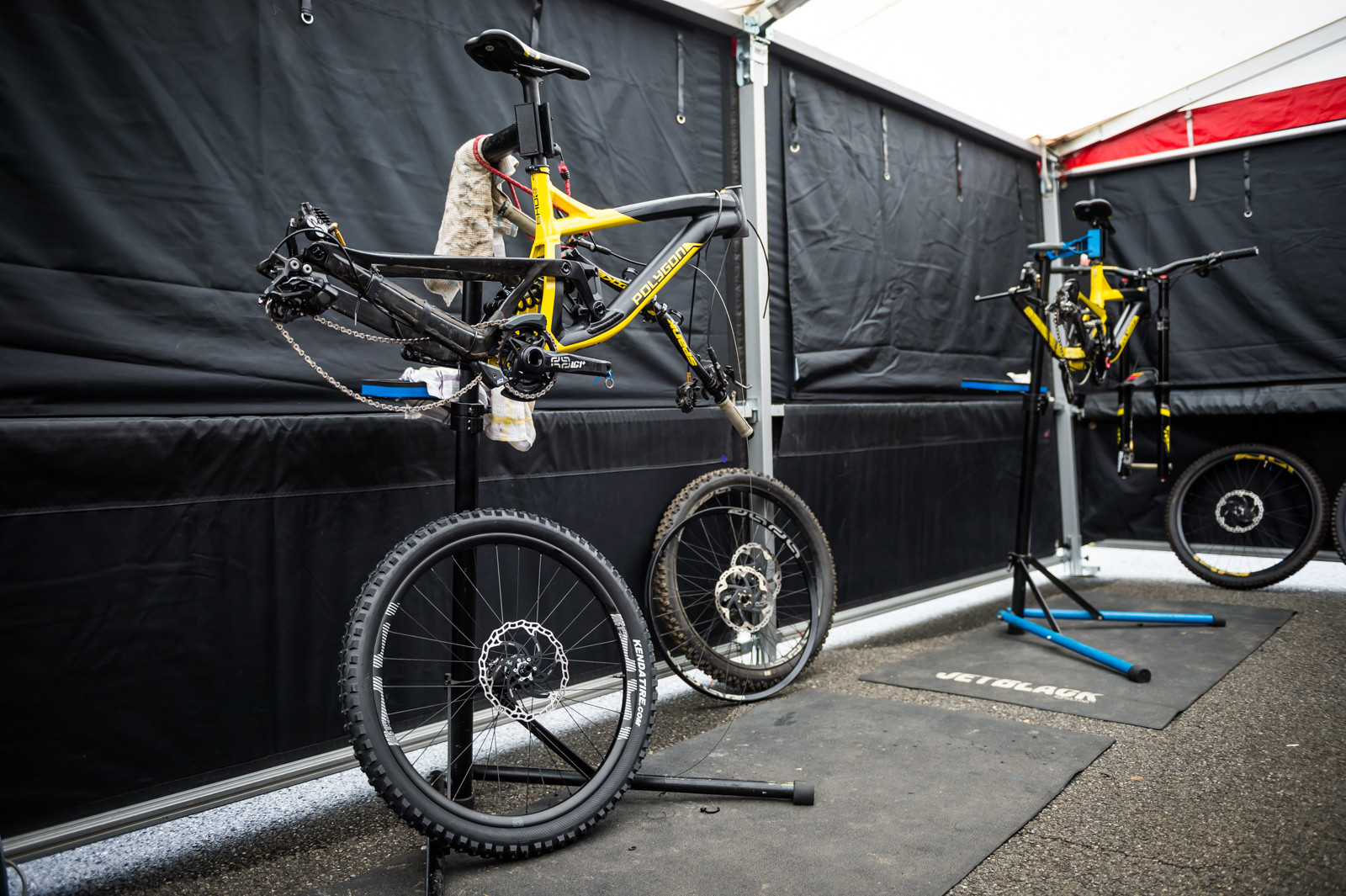 Polygon UR Race Bike - PIT BITS - 2016 Lourdes World Cup Downhill - Mountain Biking Pictures - Vital MTB