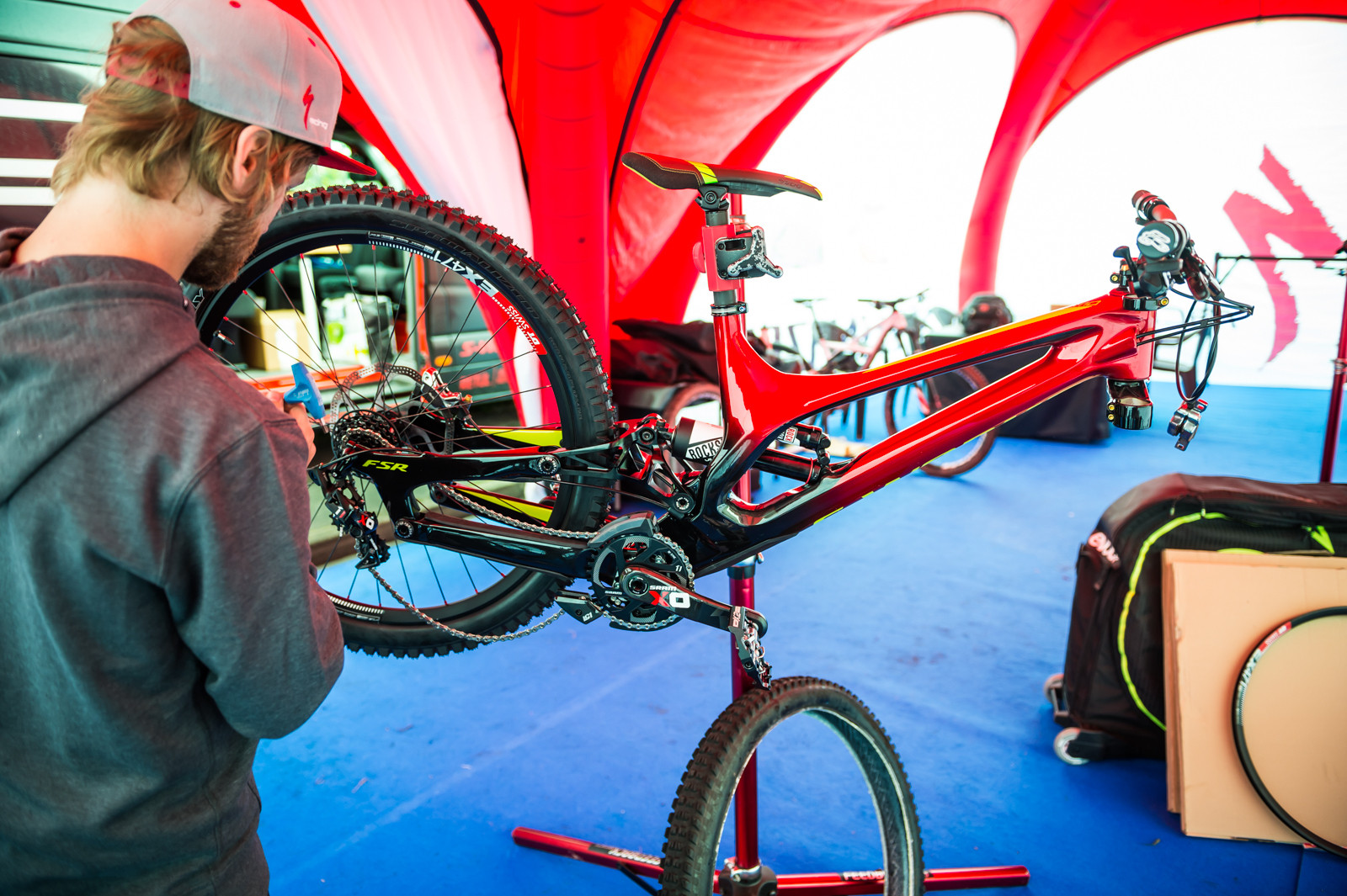 Troy Brosnan's Specialized Demo - PIT BITS - 2016 Lourdes World Cup Downhill - Mountain Biking Pictures - Vital MTB